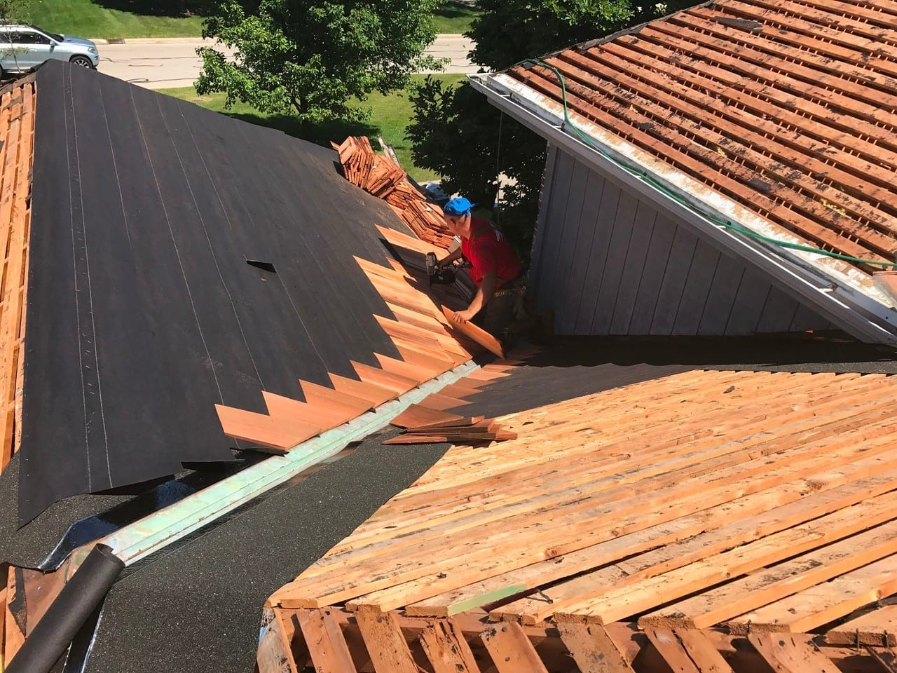 Make sure you choose a high quality contractor like A.B. Edward Enterprises, Inc. for your roofing needs